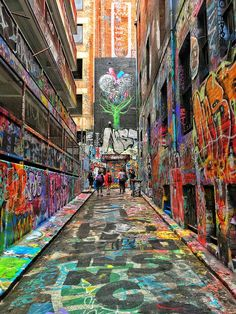 Hosier Lane Street Art Courtesy of @brianthio