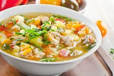 Chicken soup with tomato and pumpkin Ingredients: 4 chicken thighs 1 onion 1 carrot 300 g pumpkin 3 tomatoes 1 bell pepper pcs. potato 1 clove of Sweet Cocktails, Peeling Potatoes, Fat Burning Foods, Easy Food To Make, Chicken Soup, Dog Food Recipes, Crazy Celebrities, Curry, Easy Meals