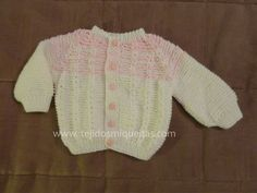 tejidos recién nacido, dos agujas, chaquetas abiertas tejidas, palillos,
