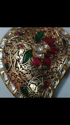 Pandent antique look diamond, ruby and emreld......