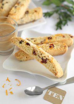 Cranberry Orange Biscotti Recipe from Biscotti Cookies, Biscotti Recipe, Galletas Cookies, Tea Cookies, Almond Cookies, Yummy Cookies, Chocolate Cookies, Appetizer Recipes, Dessert Recipes