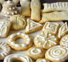 Grain-Free Cut-Out Cookies (Paleo, gluten-free, egg-free, dairy-free) - substitute honey in order to make vegan ; Sugar Free Cookies, Paleo Cookies, Sugar Free Desserts, Cut Out Cookies, Sugar Free Recipes, Gluten Free Cookies, Cookie Recipes, Baby Cookies, Heart Cookies