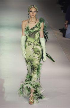 Jean Paul Gaultier at Couture Spring 2003 90s Fashion, Couture Fashion, Runway Fashion, High Fashion, Fashion Show, Vintage Fashion, Fashion Outfits, Womens Fashion, Fashion Design