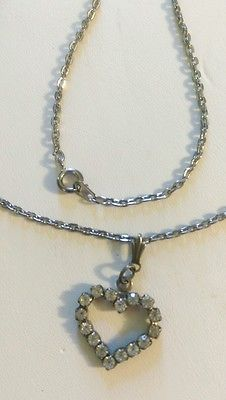 Vintage-Silver-Tone-Rhinestone-Open-Heart-Valentine-Pendant-Necklace-16-Chain