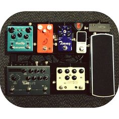 @drewwilkerson's pedal board. Love the size of this and the selection of pedals!