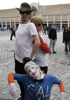 Bro, Dave Strider, & Lil Cal - Homestuck==> let us tell you about HOMESTUCK <<, YES OMG THE PEOPLE IN THE BACK LOOK SO CONFUSED LET US TELL THEM