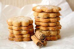 biscotti con farina di ceci, cannella e arancia