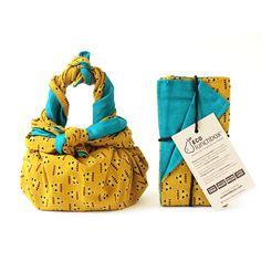 Double-sided and machine washable, our cotton Furoshiki ECOlunchwrap is sewn from colorful artisan textiles using wooden blocks and wax batik techniques. Cute Lunch Boxes, Lunch Box Notes, Stainless Steel Lunch Box, Snack Containers, Traditional Japanese Art, Fun Snacks For Kids, Japanese Fabric, Reusable Bags, Stocking Stuffers
