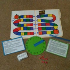 idea- make a game board in a folder Home Learning, Fun Learning, Teaching Materials, Teaching Ideas, Make A Game, Preschool Projects, Board Games For Kids, Soft Play, Church Activities