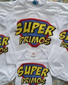 """Body baby e camisetas - """"Super primos"""" ♥️ Personalize com sua estampa!! Para maiores informações entrar em contato via WhatsApp… Supergirl, Body, Instagram, Sports, T Shirt, Fashion, Stamping, Mugs, Outfits"""