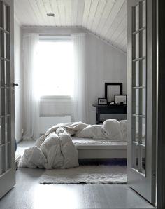 light and minimalist living