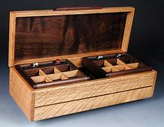 Quartersawn oak & Peru walnut Woodworking Workshop, Woodworking Projects, Woodworking Inspiration, Wooden Box Designs, Box Maker, Diy Box, Wood Boxes, Keepsake Boxes, Hobbies And Crafts