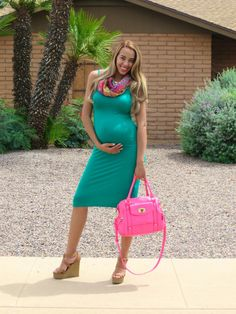Celebrating My Bump! || Forever 21 Bodycon Dress , Charlotte Russe Wedges, Hot Pink Target Purse, Pregnancy Outfit Ideas, Maternity Style. || cocofashionista.com