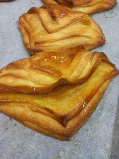Fazzoletti con Marmellata I fazzoletti con marmellata fanno parte dei lieviti, dolci da colazione come croissant, cornetti, fagottini,...