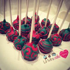 Oreo Truffle Christmas Cakepops - Lil Mrs Cake Heart