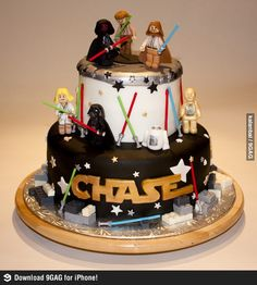 Chase is a lucky kid. Wow, his birthday cake is cool! (via 9gag) #9gag #LEGO #StarWars