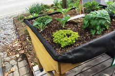 Hochbeete auf Füßen haben den Vorteil, dass sie leichter sind und auch auf dem Balkon verwendet werden können.