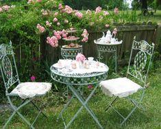 Verträumter Garten Patio-Metallmöbel Weiß