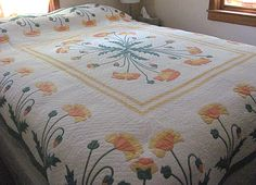 beautiful Marie Webster quilt. It was made in 1929 and is in perfect condition.