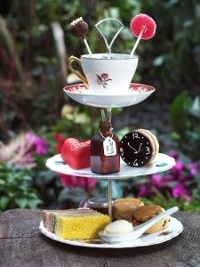 Tea Cup Cake Stand! mad-hatters-tea-party-ideas. easy craft retreat idea!