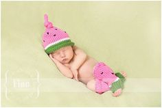 Hey, I found this really awesome Etsy listing at http://www.etsy.com/ru/listing/152810417/knitted-infant-watermelon-legwarmers