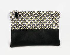 ddc2c88896 Trousse pochette plate en tissu coton style japonais éventails noir et jaune  moutarde, simili cuir souple noir