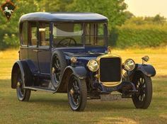1921 Sunbeam 25 Litre Saloon Sedan Sold on ClassicDigest Retro Cars, Vintage Cars, Antique Cars, Vintage Auto, Vintage Ideas, Classic Motors, Classic Cars, Sunken City, Saloon