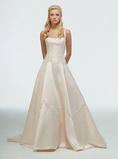 aurora disney wedding dress - this dress is BEAUTIFUL! Would def love to try it on...