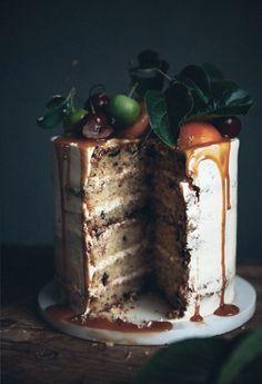 Walnut cake with caramelized fruit