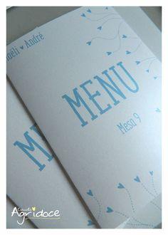- Menu para os comes e bebes da festa de casamento. <br>- Impresso no papel met�lico branco, 180g. <br>- Tamanho do menu fechado: 14 x 21 cm. <br>- Cont�m: 1 menu com o card�pio da festa. <br>- Cont�m uma frase no verso no Menu. <br>- Consulte-nos para outras cores.