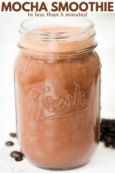 A healthy mocha smoothie recipe including espresso, unprocessed cocoa powder, frozen bananas, peanut butter, ice and milk – a great way to start the day! Best Smoothie Recipes, Easy Drink Recipes, Healthy Eating Recipes, Healthy Breakfast Recipes, Banana Recipes, Sweets Recipes, Healthy Drinks, Cocktail Recipes, Delicious Recipes