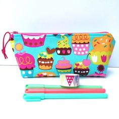 Sweet cupcake pouch, perfect for your planner accessories, pencils, makeup brushes, makeup, etc!
