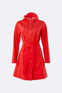 Rains' Curve Jacket is a classic yet practical women's rain jacket inspired by the timeless Trench Coat. With a slightly a-shaped fit and tie belt at Red Raincoat, Cool Silhouettes, Eco Clothing, Waterproof Rain Jacket, Red Belt, Woman Silhouette, Jackets