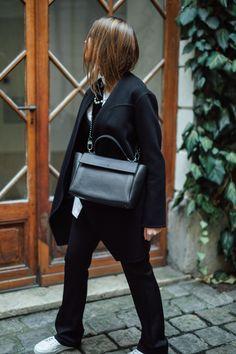 Creative Design, Louis Vuitton Monogram, Street Fashion, Street Style, Pattern, Bags, Inspiration, Urban Fashion, Handbags