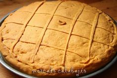Teníamos ya muchas ganas de hacer esta empanada de pulpo en casa. Se la habíamos visto hace mucho tiempo a Pilar de ( La Cocina de Lechuza...