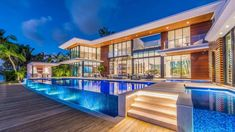 Magnificent Modern Miami Mansion With Ocean Panorama Luxury Homes Dream Houses, Luxury House Plans, Modern Miami, Futuristisches Design, Dream Mansion, Modern Mansion, Luxury Pools, Dream Pools, Mansions Homes