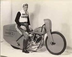 The first WL models are produced. Joe Petrali sets a new land speed record of 136.183 mph on a modified Harley-Davidson 61 cubic inch overhead valve-driven motorcycle. The same day, he also breaks the record for 45 cubic inch engine motorcycles. | Harley-Davidson 1937