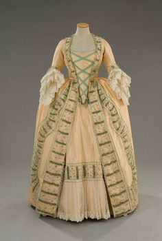 Costume designed by Alessandro Lai for Chiara Muti in Rosa e... - Fripperies and Fobs