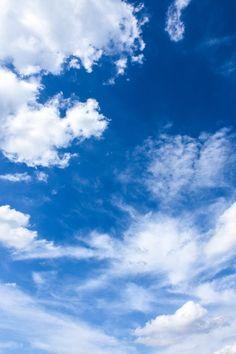 """Lo lamento on Twitter: """"El azul es el color más bonito que hay… """" Cloud Wallpaper, Tumblr Wallpaper, Galaxy Wallpaper, Blue Aesthetic Pastel, Sky Aesthetic, Blue Sky Background, Background Images, Aesthetic Backgrounds, Aesthetic Wallpapers"""