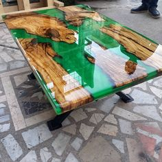 Harz und Holz Tisch – Tische aus Epoxidhardz – Wood and epoxy art – New Epoxy Diy Resin Table, Epoxy Table Top, Epoxy Wood Table, Hardwood Table, Epoxy Resin Table, Diy Epoxy, Diy Table, Wooden Tables, Epoxy Resin Countertop