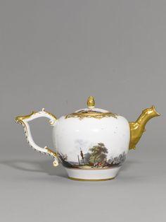 tea and coffee services Coffee Service, Teapots And Cups, Kintsugi, Chocolate Pots, Fine China, China Porcelain, Teacup, Tea Time, Tea Party