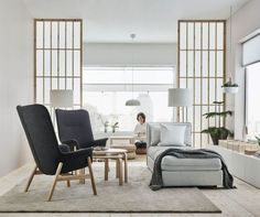 Browse our living room design ideas to help you get inspired. Our living room design gallery highlights inspirational living rooms in a variety of styles featuring IKEA products. Home Interior, Interior Decorating, Interior Design, Decorating Ideas, Design Ikea, Fancy Living Rooms, Japanese Interior, Contemporary Interior, Living Room Furniture