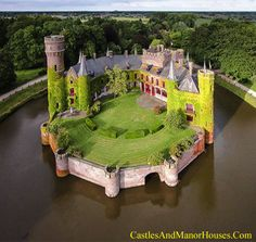 Kasteel van Wijnendale,    Wijnendale, Torhout, West Flanders, Belgium....    http://www.castlesandmanorhouses.com/photos.htm    ....     The present castle is largely a 19th-century reconstruction, but a part of the north wing is still 15th century. One wing is inhabited by the present owners. Another wing is a museum, open to the public.