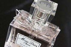 Bow wedding ideas - Wedding perfume?