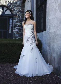 New Style Embroidery White and Black Wedding Dresses Bridal Gown Custom Size