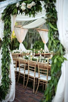 photo: Kristen Weaver Photography via Style Me Pretty; Beautiful green wedding reception idea
