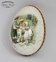 Pisanki, jajka | Easter Dishes, Easter Eggs, Egg Crafts, Easter Crafts, Egg Art, Water Slides, Vintage Easter, Door Wreaths, Seasonal Decor