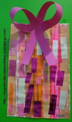 cadeau de Noël petite section peinture et collage de bandes verticales