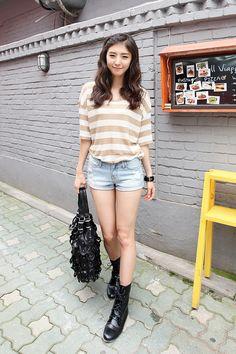 That bag is ridiculous.^^ #itsmestyle #itsmefashion #korean fashion