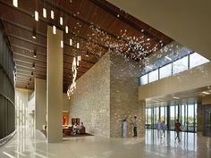 HGA completed the design for the Owensboro Health Regional Hospital located in Owensboro, Kentucky. The Owensboro Health Regional replacement hospital, on a site, includes … Design Entrée, Lobby Design, Interior Design, British American Tobacco, City Office, Ceiling Design, Terrazzo, Luxury Living, Modern Architecture